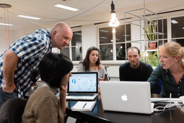 Coworking people1 carousel